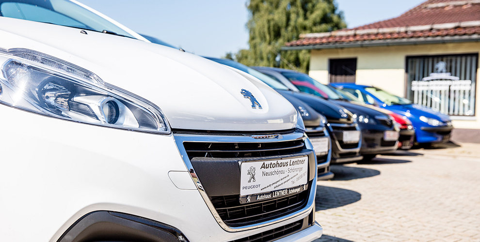 Autos der Marke Peugeot bekommen Sie im Autohaus Lentner.