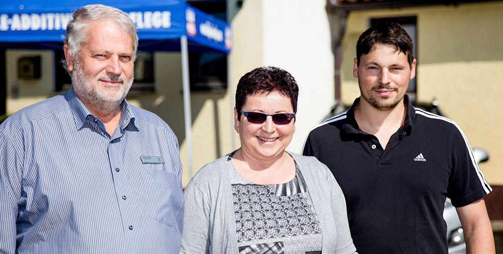 Familie Lentner freut sich auf Ihren Besuch in Ihrem Autohaus in Neuschönau.